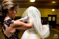 LM_Wedding_Bride_Lezlie_Getting_Ready_Photos_Julia_Ideson_Library_Houston_TX_016